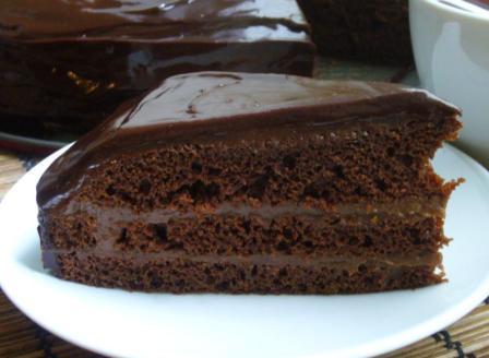 Торт «Прага» в шоколаде с алкогольной пропиткой