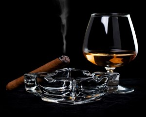 Какой алкоголь подходит под сигары