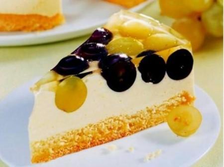 Нежный виноградный торт
